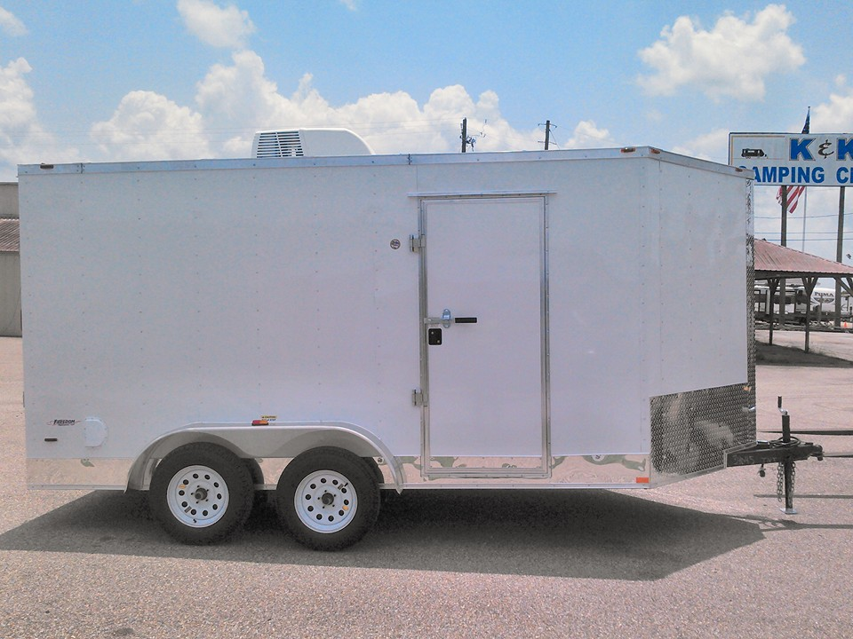 buy enclosed trailer