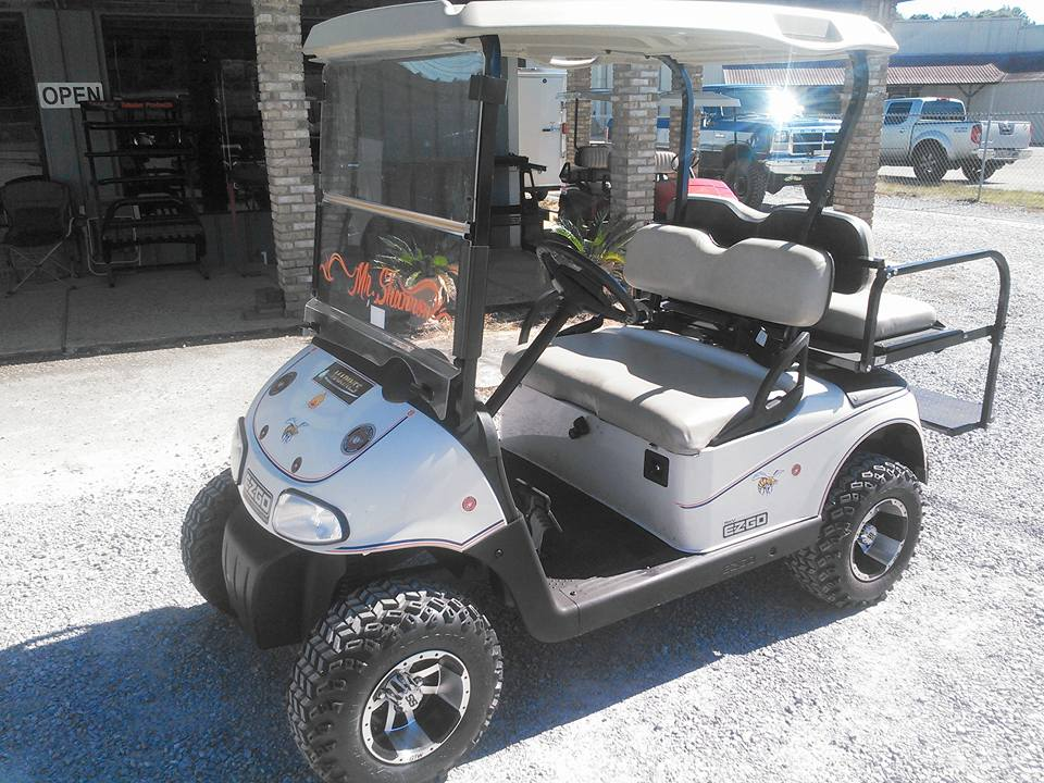 CUSTOM E-Z-GO GOLF CART
